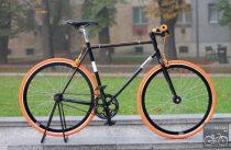 Egyedi-Csepel-Royal-Fekete - Narancs