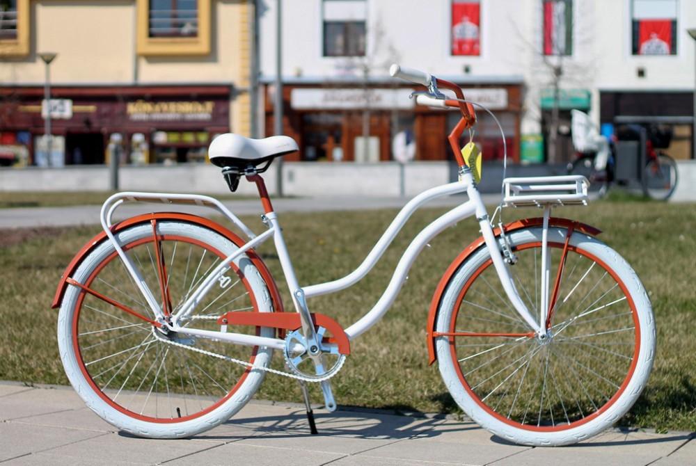Egyedi Cruiser Női Kerékpár 1sp / 3 sp - Fehér-gyöngynarancs