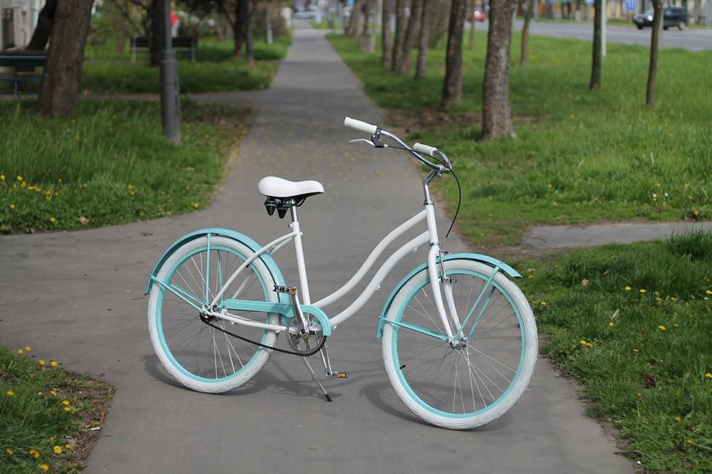 Egyedi Cruiser Női Kerékpár 1sp / 3 sp - Fehér - Türkiz