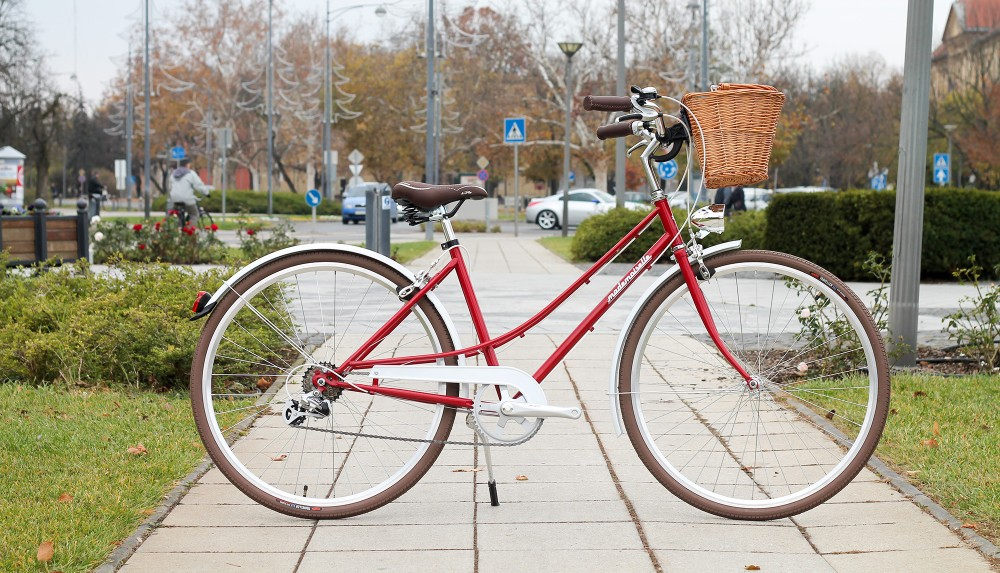 """Mademoiselle női kerékpár 28"""" - 300 féle színben - 7 sebességes - Most ajándék fonott kosárral & defektgátló folyadékkal - Bordó színben"""