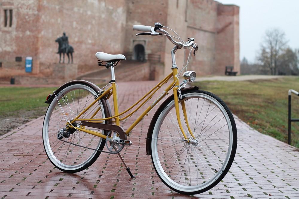 """Mademoiselle női kerékpár 28"""" - 300 féle színben - 7 sebességes - Most ajándék fonott kosárral & defektgátló folyadékkal - Sárga színben"""
