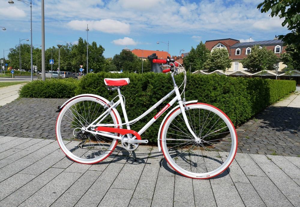 """Mademoiselle női kerékpár 28"""" - 300 féle színben - 7 sebességes - Most ajándék fonott kosárral & defektgátló folyadékkal - Fehér színben"""